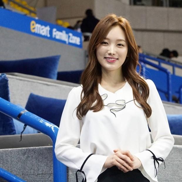 김세연 아나운서 사진 많이 주세요!